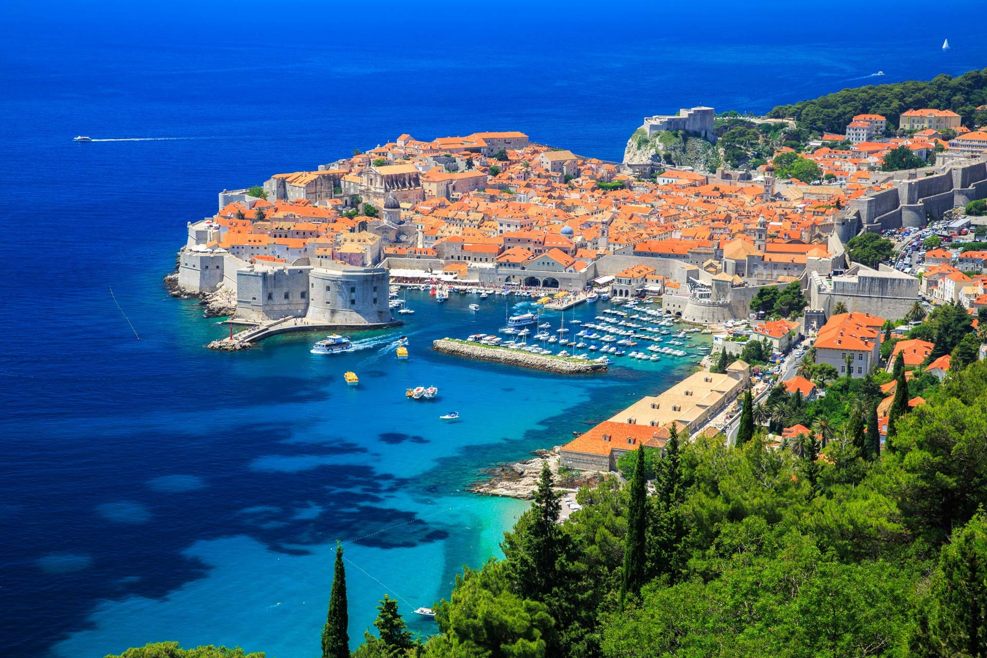 Dubrovnik – Split – Split, Land and Cruise in 14 days